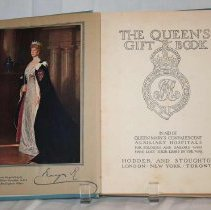 Image of The Queen's Gift Book