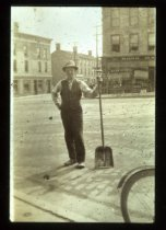 Image of Mr Kenny in St. George's Square. c.1920
