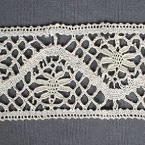 Image of 1976.75.10 - Lace Fragment