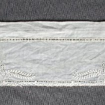 Image of 1970.17.52 - Collar