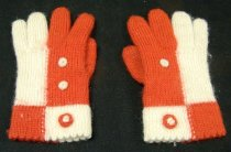 Image of 2010.049.0001.A - Glove