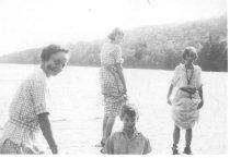 Image of Ella (Jackson) McKeen, Pearl (McKeen) McAllister, John McKeen and Ina (McKeen) Stearns - 2003.02.0011