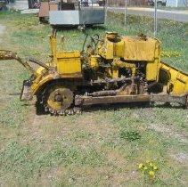 Image of Trail Beetle Crawler Narrow Gauge Tractor - Tractor