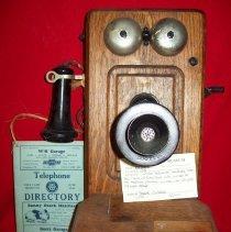 Image of Telephone