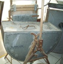 Image of Clothes Washer with Wringer