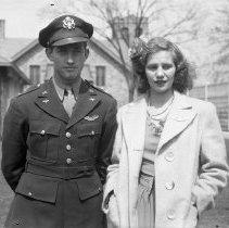 Image of Lt. Alan T. Wade & Lillian Woytow - 04/22/1944