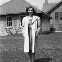 Image of Miss Lillian Woytow (1) - 04/22/1944