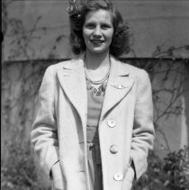 Image of Miss Lillian Woytow (2) - 04/22/1944