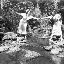 Image of Marion Vliet and Mrs. Elton Wade - 05/26/1935
