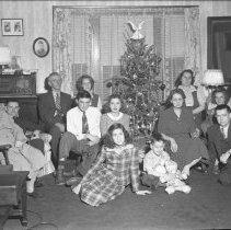 Image of Christmas at Harold Wade's (2) - Unknown