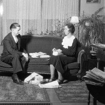 Image of Elton and Sarah (Jane) Wade Christmas Card - 12/15/1935