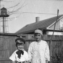 Image of Nina & Ruth Totten in Halloween costumes (1) - 11/02/1930
