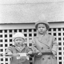 Image of Alan & George Wade - 05/3/1925