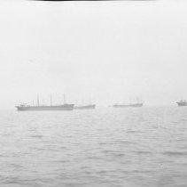 Image of Ships in New York Bay - 08/13/1927