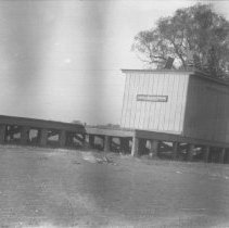 Image of General Landscape Views 1922 & 1923 (5) / American Railway Express platform - 11/01/1922