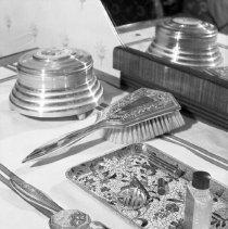 Image of Sarah's vanity (4) - 02/18/1938