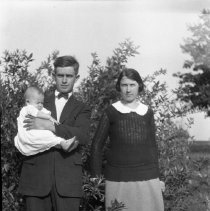 Image of Russell, Emma, and Nina Totten - 1923