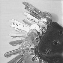 Image of Keys & case (2) - 01/17/1939