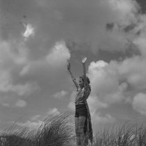 Image of Jacqueline Campbell on dune (3) - 08/07/1938