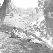 Image of The Wade boys on the River (2) - 06/27/1931