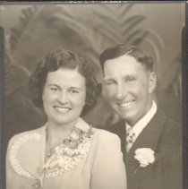 Image of Photo, Portrait of Walter and LaVerne Beusch