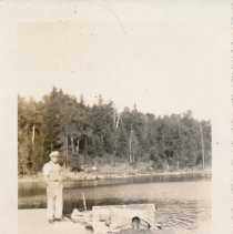 Image of 1938 - Joe Birkenhead at the Docks