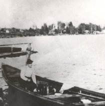 Image of 6 - Archie McAdam in the gasoline powered pointer at Kiosk.