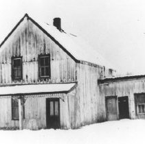 Image of 216 - An original Gilmour Brothers Company house on Potter's Creek.