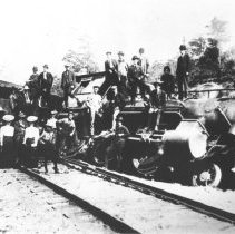 Image of 1976.95.26 - Grand Trunk Railway locomotive #1-5-2-6-0 wrecked at Depot Harbour.