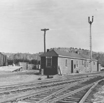 Image of 403 - Kiosk railway station on transcontinental line of Canadian National Railway.