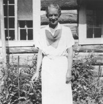 Image of 490 - Mrs. Jessie Northway dressed for dinner.