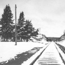 Image of Looking west along railway from Cache Lake