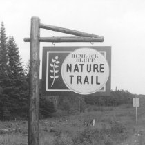 Image of Hemlock Bluff Nature Trail Sign.