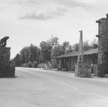 Image of 794 - West Gate