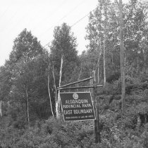 Image of 795 - The East Boundary Sign.