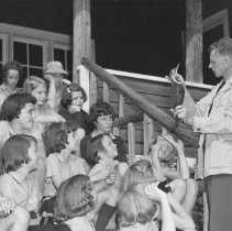 Image of 889 - Dick Ussher gives nature lecture, Camp Tanamakoon, 1951.
