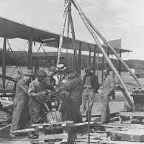 Image of 958 - Changing HS 2L Motor - Whitney Air Base - 1922.