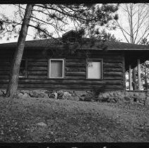Image of 1486 - Ranger cabins - Brent - November 1972.