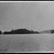 Image of ca. 1916 - The islands, Rock Lake.