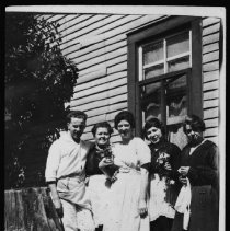 Image of 1976.10.13 - Highland Inn staff at Cache Lake.