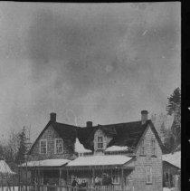 Image of 2248 - House at Rock Lake.