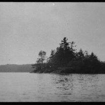Image of 2266 - Island in Rock Lake.