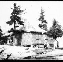 Image of 2375 - The McIntosh cabin.