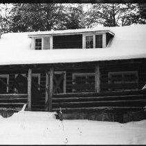 Image of 2596 - Farley cottage, Canoe Lake.