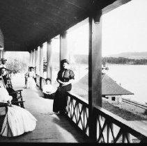 Image of 2853 - Ladies on the verandah of the Highland Inn.