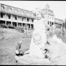 Image of 1976.6.1 - Highland Inn, Cache Lake.