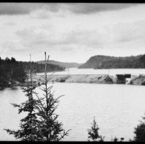 Image of 2971 - Railway embankment, Joe Lake.