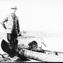 Image of 2984 - Bob Balfour with beaver.