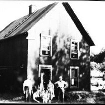 Image of 2987 - The Nadon family.