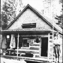 Image of 3054 - Booth Lake ranger cabin.